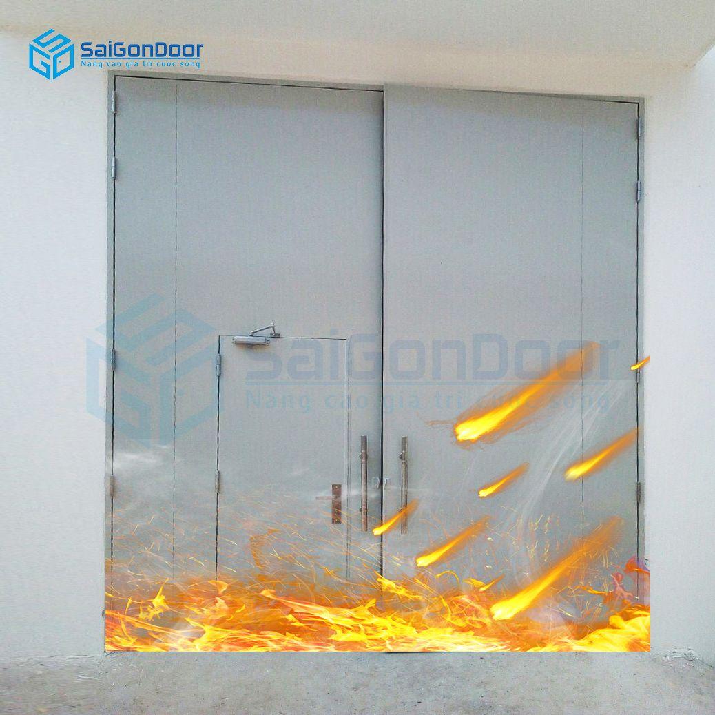 Cửa thép chống cháy 2 cánh văn phòng có cánh nhỏ